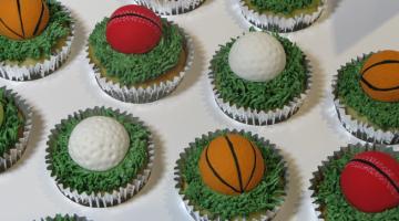 ball_cupcakes